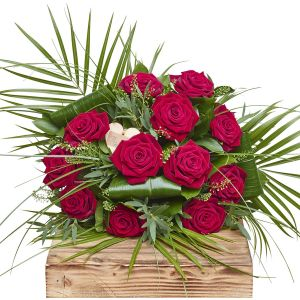 Valentines Radiant Reds Dozen Red Roses Sorry Flowers Love You And Anniversary Bouquets